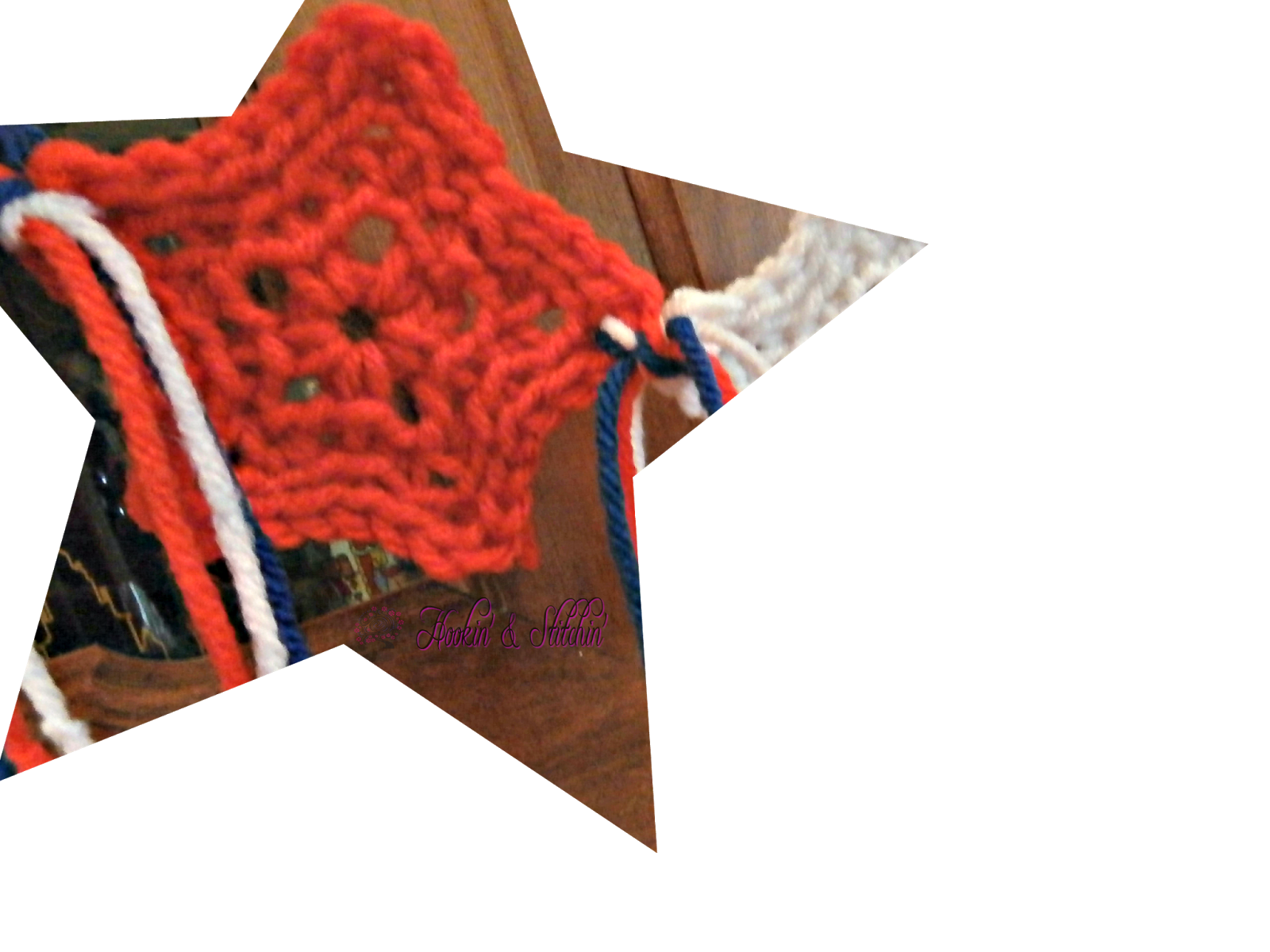 red crochet star