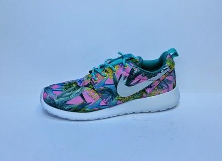 foto Sepatu Nike Roshe Flyknit Women