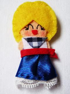 Broches muñecas de fieltro fiestas de Bilbao