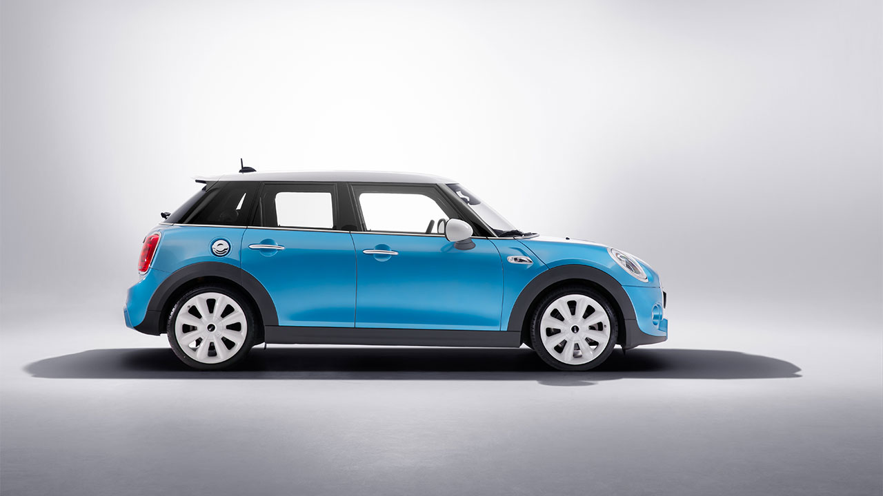 Mini Cooper 5-door Hatch side