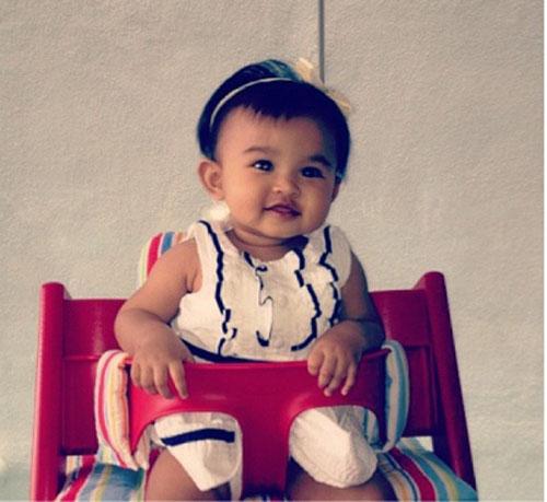 Foto Leia Rose Caunter Berusia Setahun Lebih | Anak Perempuan Marion Caunter dan SM Nasarudin