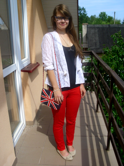 OOTD: black red white