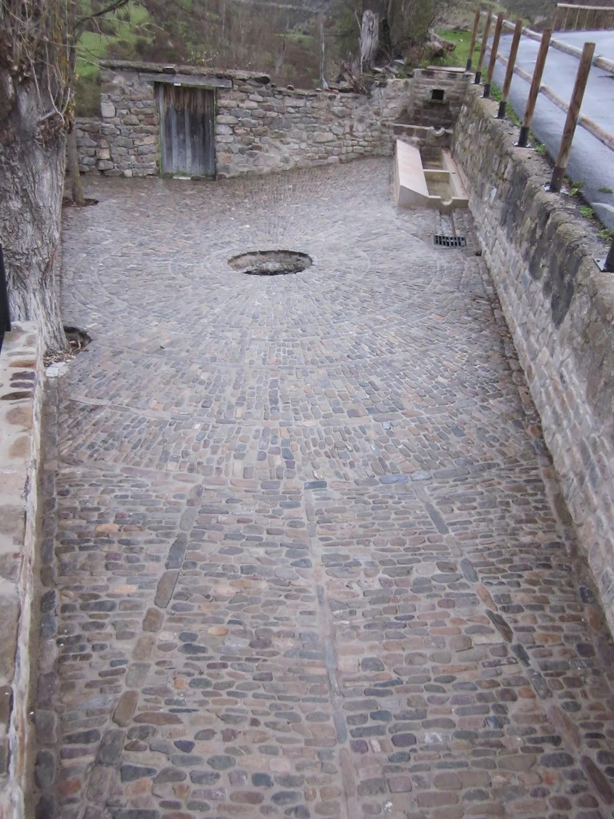 Aspecto del remodelado lavadero del Chorrote (San Román de Cameros)