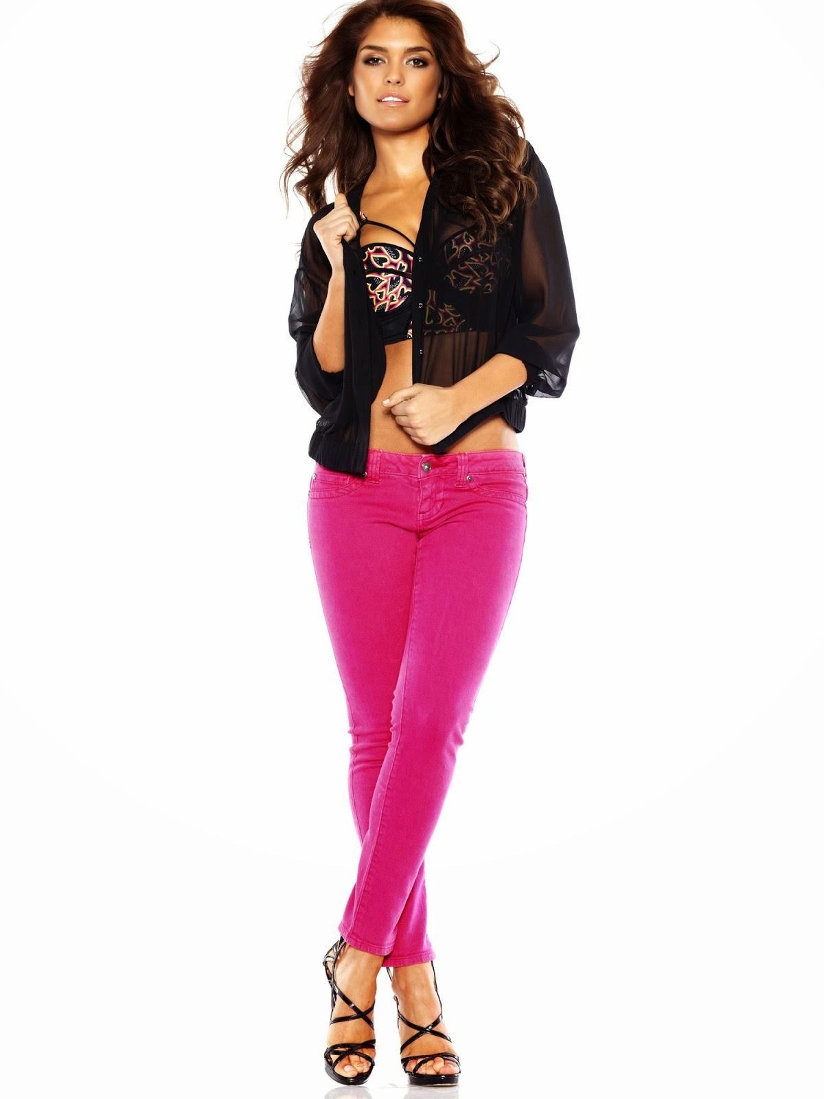 Model Photos: Pamela Burgos