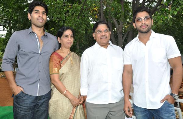 allu sirish kotha janta movie launch first look3