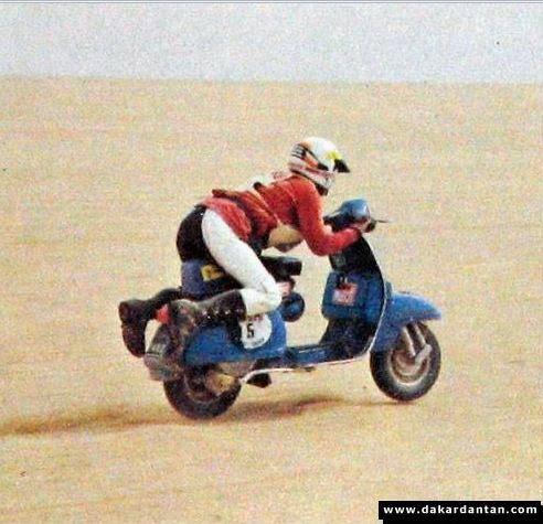 Vespa Paris Dakar 16