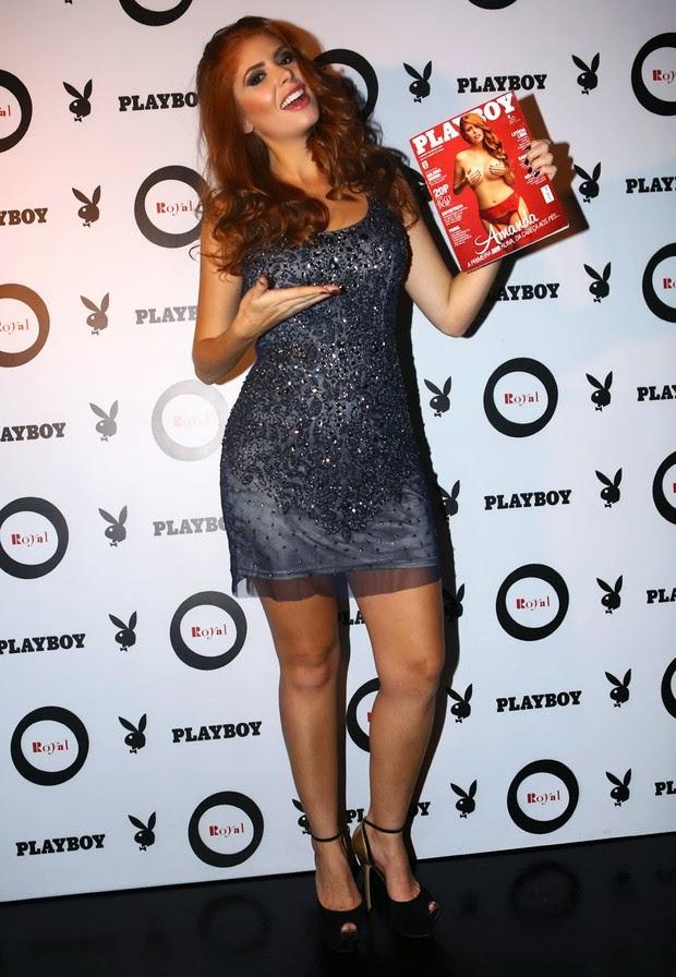Amanda Gontijo lançou sua Playboy em uma boate em São Paulo