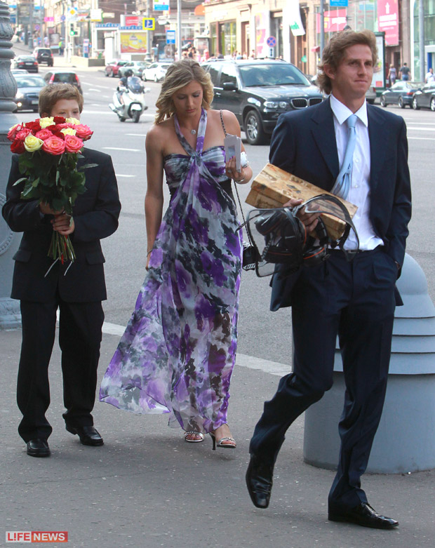 kirilenko dating ovechkin Are alex ovechkin and maria sharapova dating dating a girl your friend mystery man that maria kirilenko has to currently dating milos raonic way ovechkin.