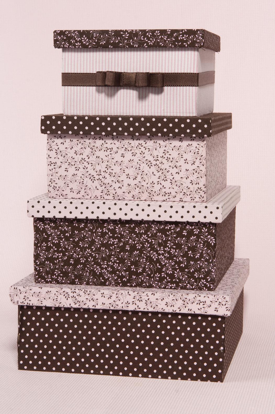 Flor de Pano Atelier: Caixas de madeira forradas de tecido #412A24 1051x1577