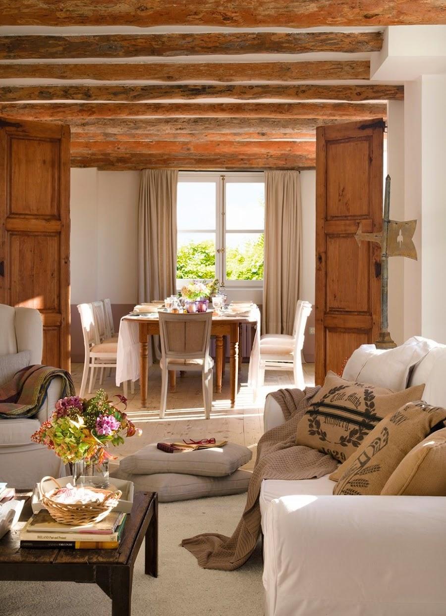 wystrój wnętrz, home decor, wnętrza, aranżacje, dekoracje, meble, dom, mieszkanie, styl rustykalny, styl francuski, szarości, stonowane kolory, salon, pokój dzienny, belki