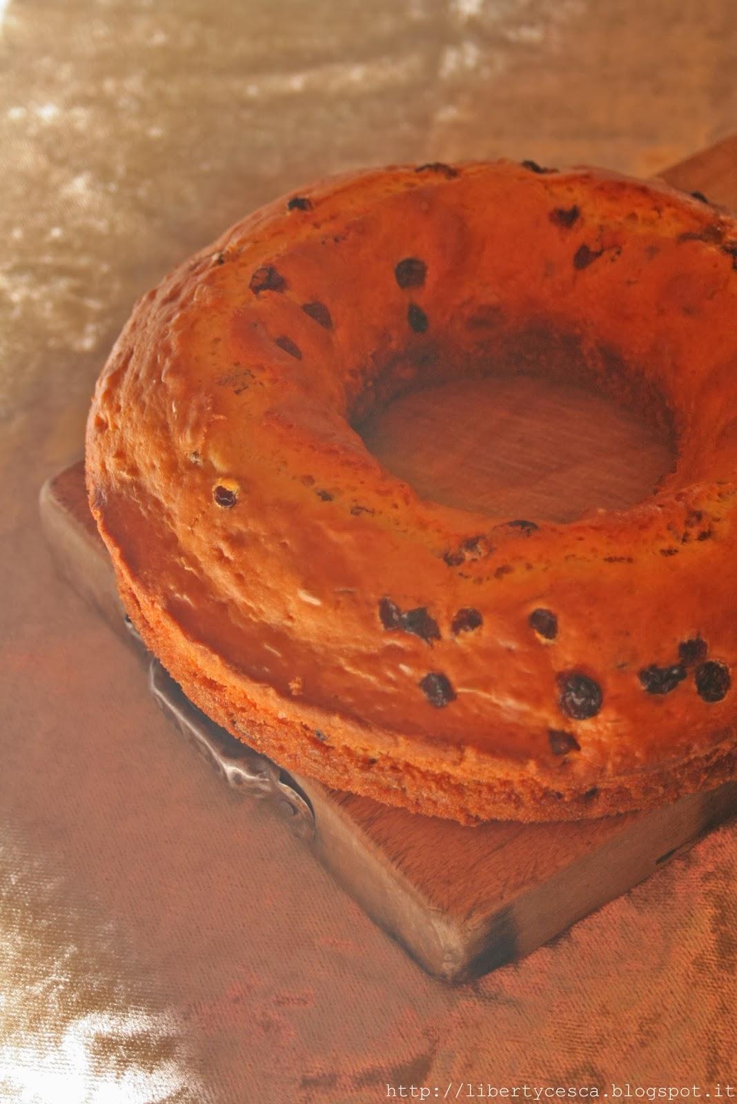 ciambella con uvetta e bacche di goji / bundt cake with raisins and goji berries