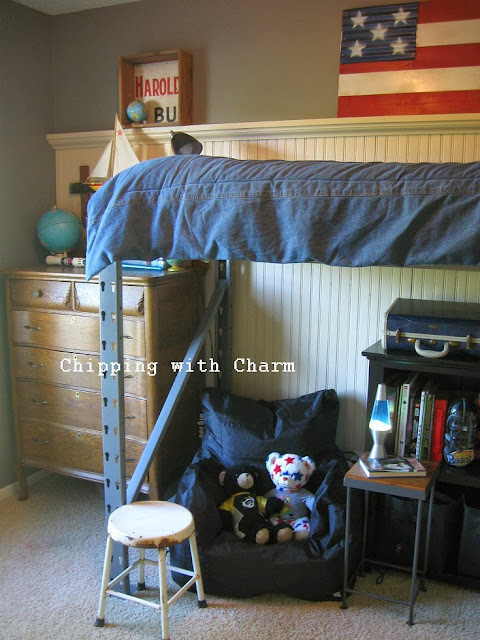Chipping with Charm:  Getting Organized with Junk, Small Space Pallet Racking Lofted Bed...http://chippingwithcharm.blogspot.com/