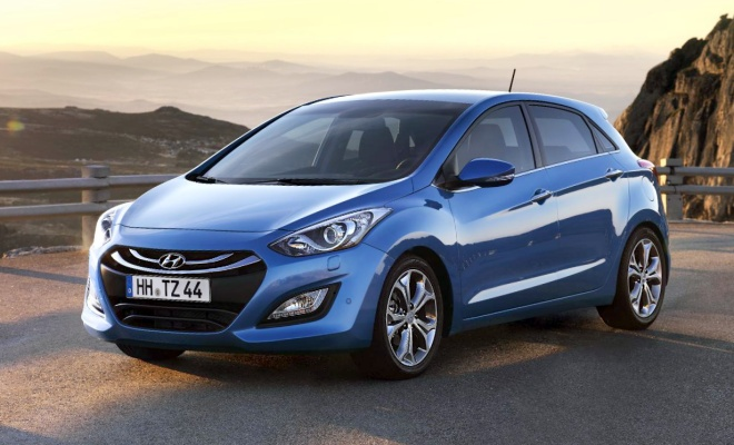 Hyundai i30 showing busy front end