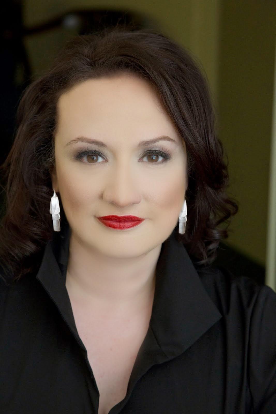 Dr. Suzana Flores