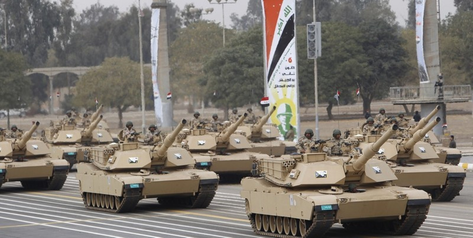 Armée Irakienne Iraqi+Army+soldiers+are+seen+on+M1A1+Abrams+third-generation+main+battle+tank+produced+in+the+United+States+at+the+Monument+of+the+Unknown+Soldier+during+the+Army+Day+celebrations+in+Baghdad%252C+%25282%2529