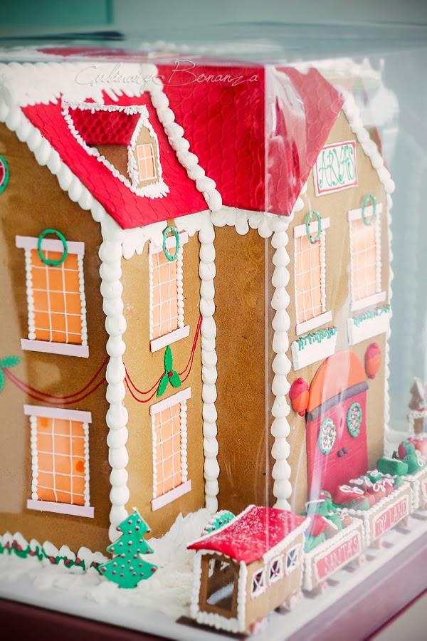 Gingerbread House the Size of Miniature Doll House