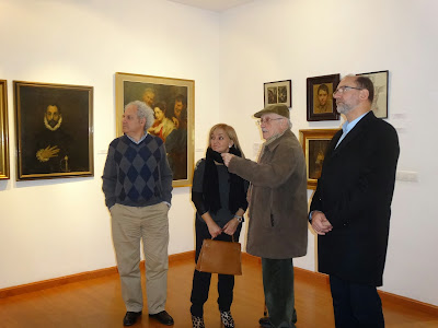Isabel Carrasco visita la exposición de Modesto Llamas Gil