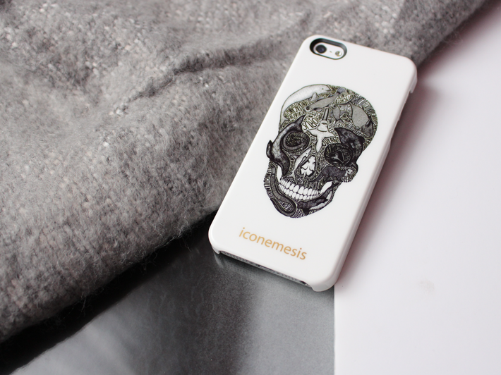 Skull illustrated iPhone 5 case Iconemesis