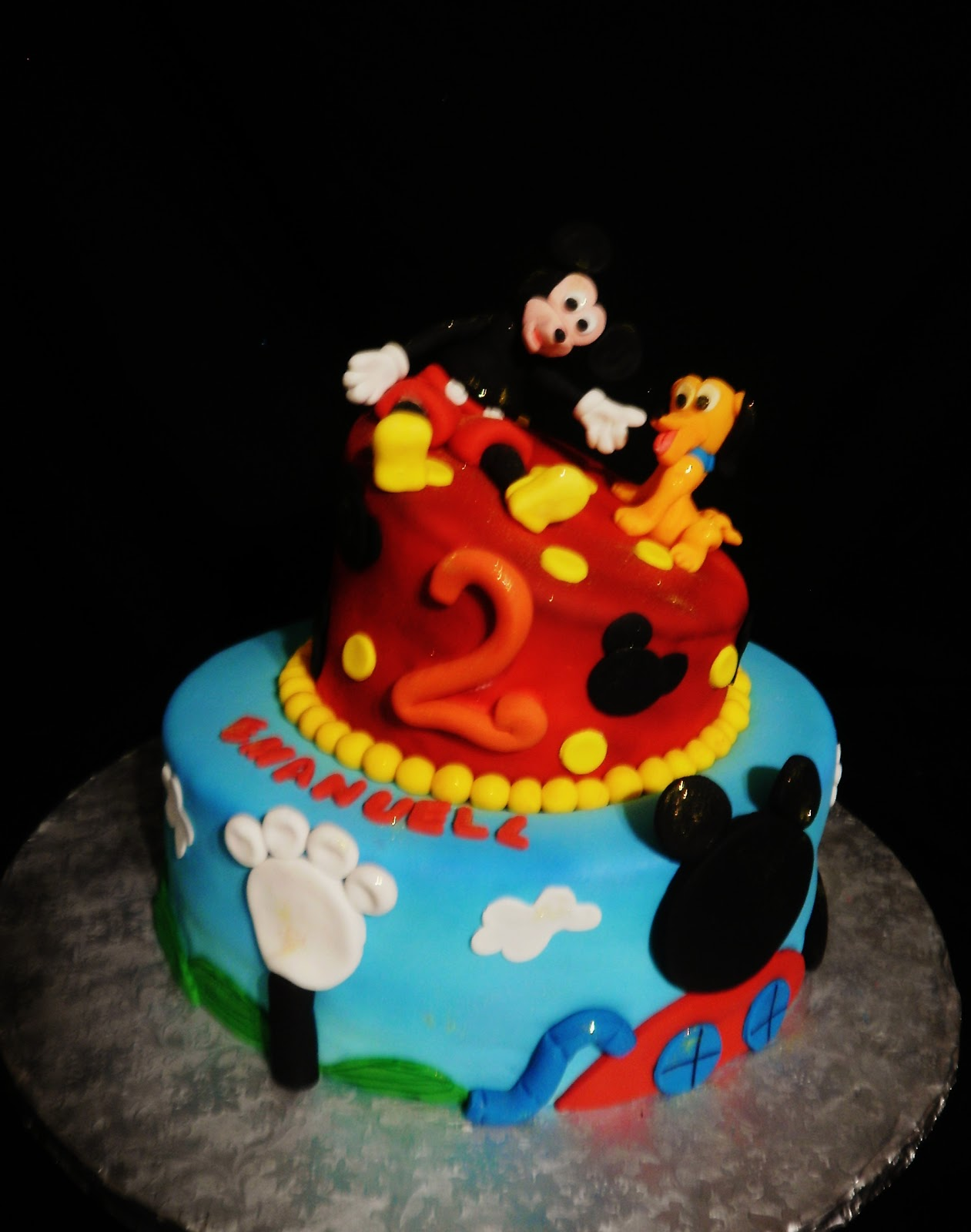 Cake Images Of Mickey Mouse : Baking with Roxana s Cakes: Mickey Mouse themed cake