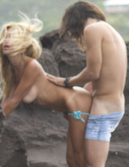Model Playboy, Shauna Sand Kepergok ML di Pantai