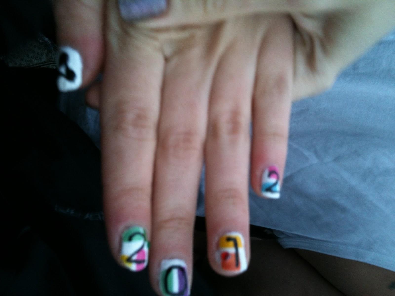 Creamfields manicure nail art