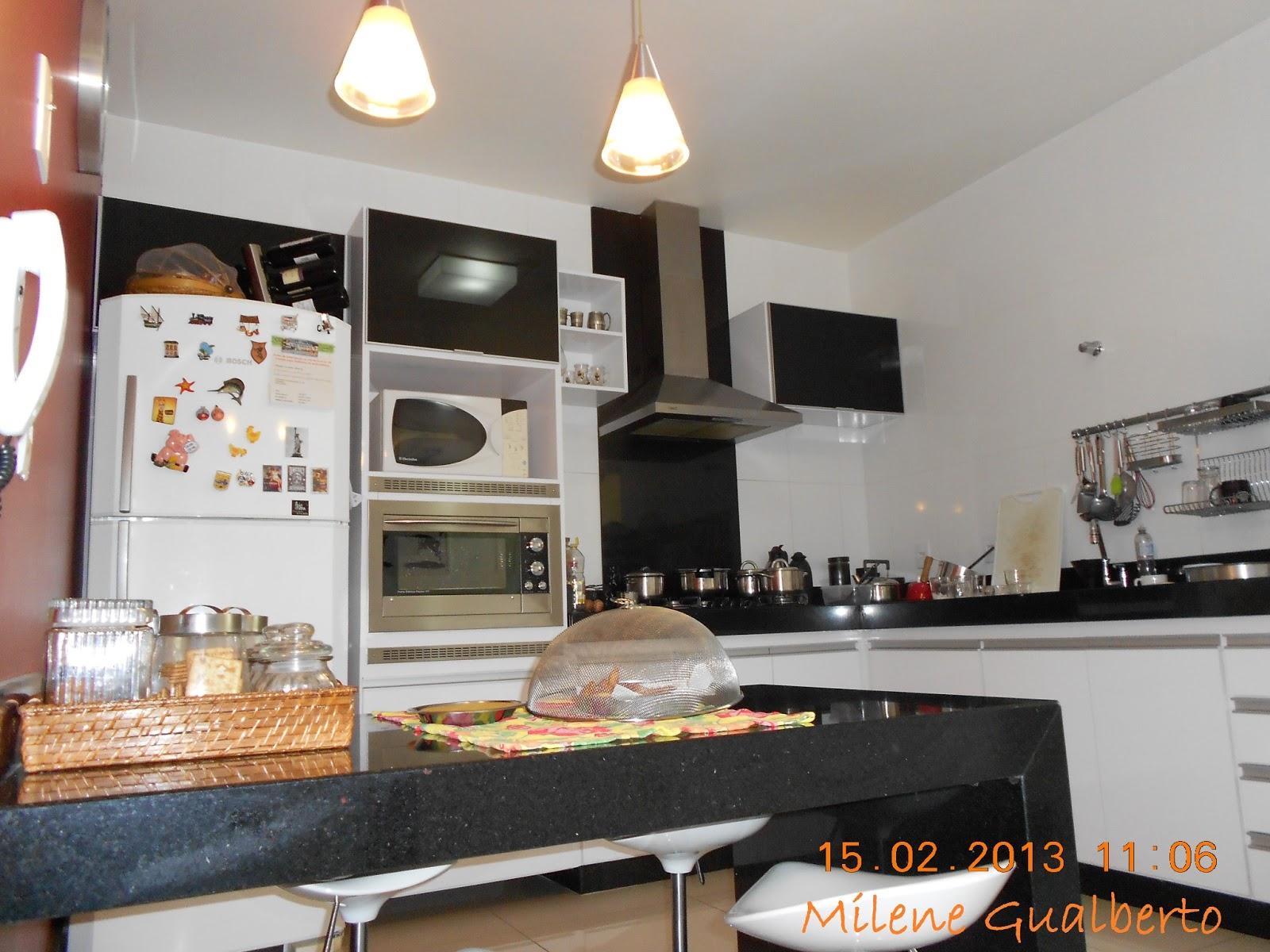 Gualberto: Projetos Residenciais Cozinha destaque para o Vermelho #9A5B31 1600 1200