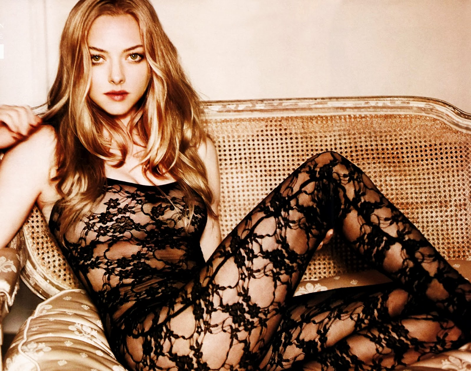 http://4.bp.blogspot.com/-HdoDorrIPNw/UARYSLkJ0fI/AAAAAAAABrM/7zY21cIZIE4/s1600/Amanda-Seyfried-Hot-Wallpapers-5.jpg