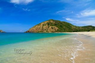 Lombok Tourism, Mawun beach
