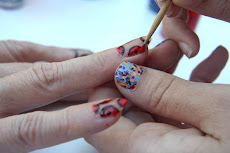 en maquillant vos ongles