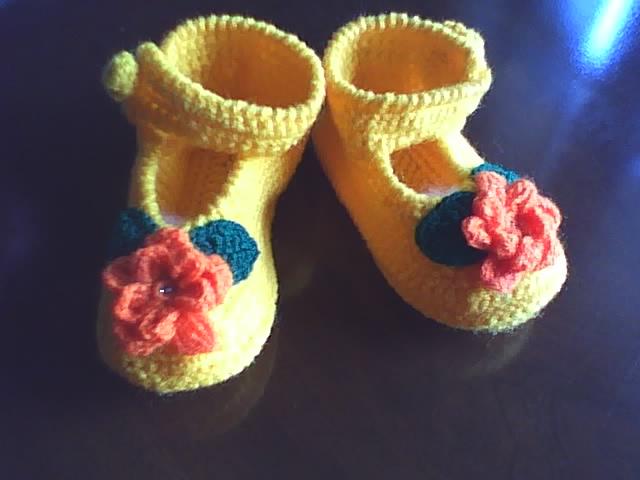 Manualidades y algo de psicología: Zapatos tejidos a crochet para ...