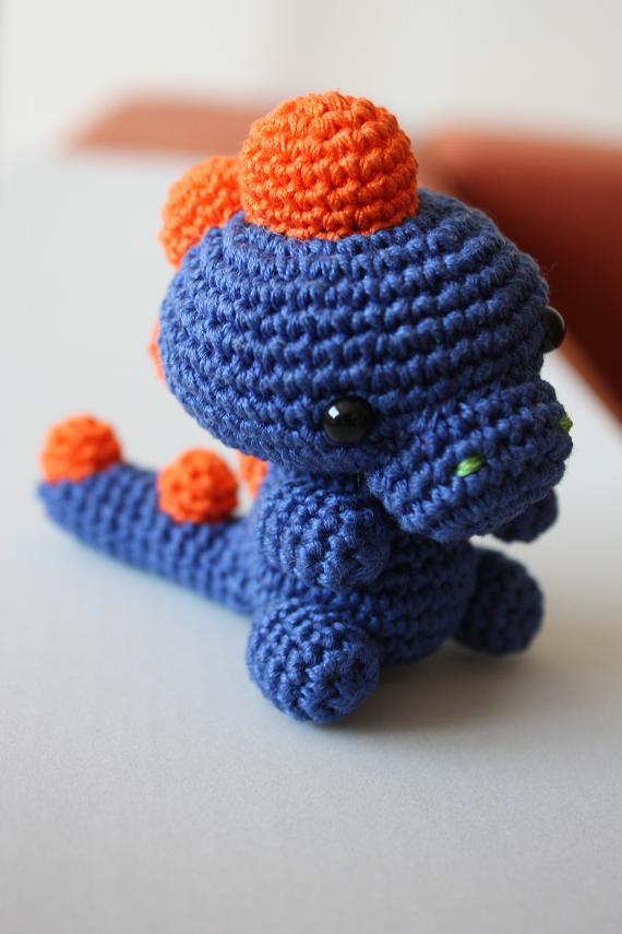 Amigurumi Dinosaur Pattern Free : HAPPYAMIGURUMI: Amigurumi babymonters and amigurumi dinosaur