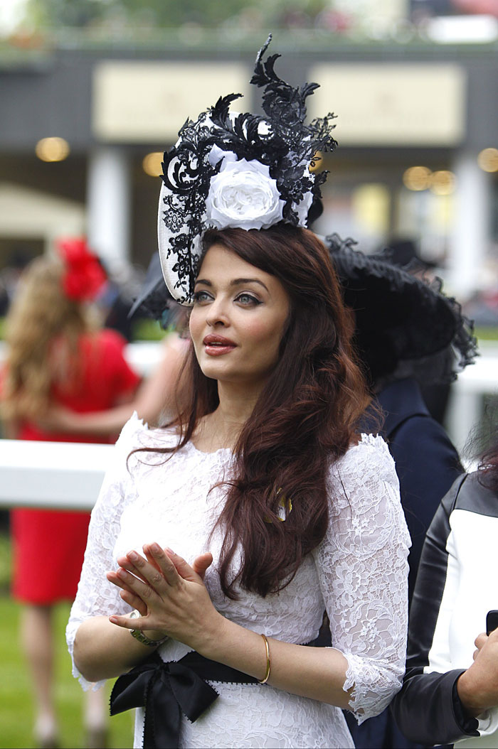 Aishwarya New Photos