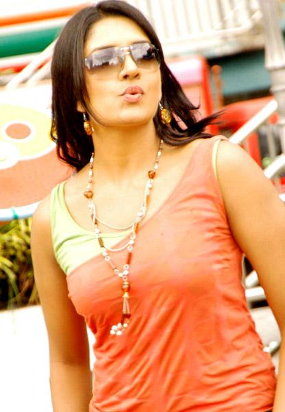 Vimalaraman Chukkalanti Ammayi Chakkanaina Abbayi movie stills4