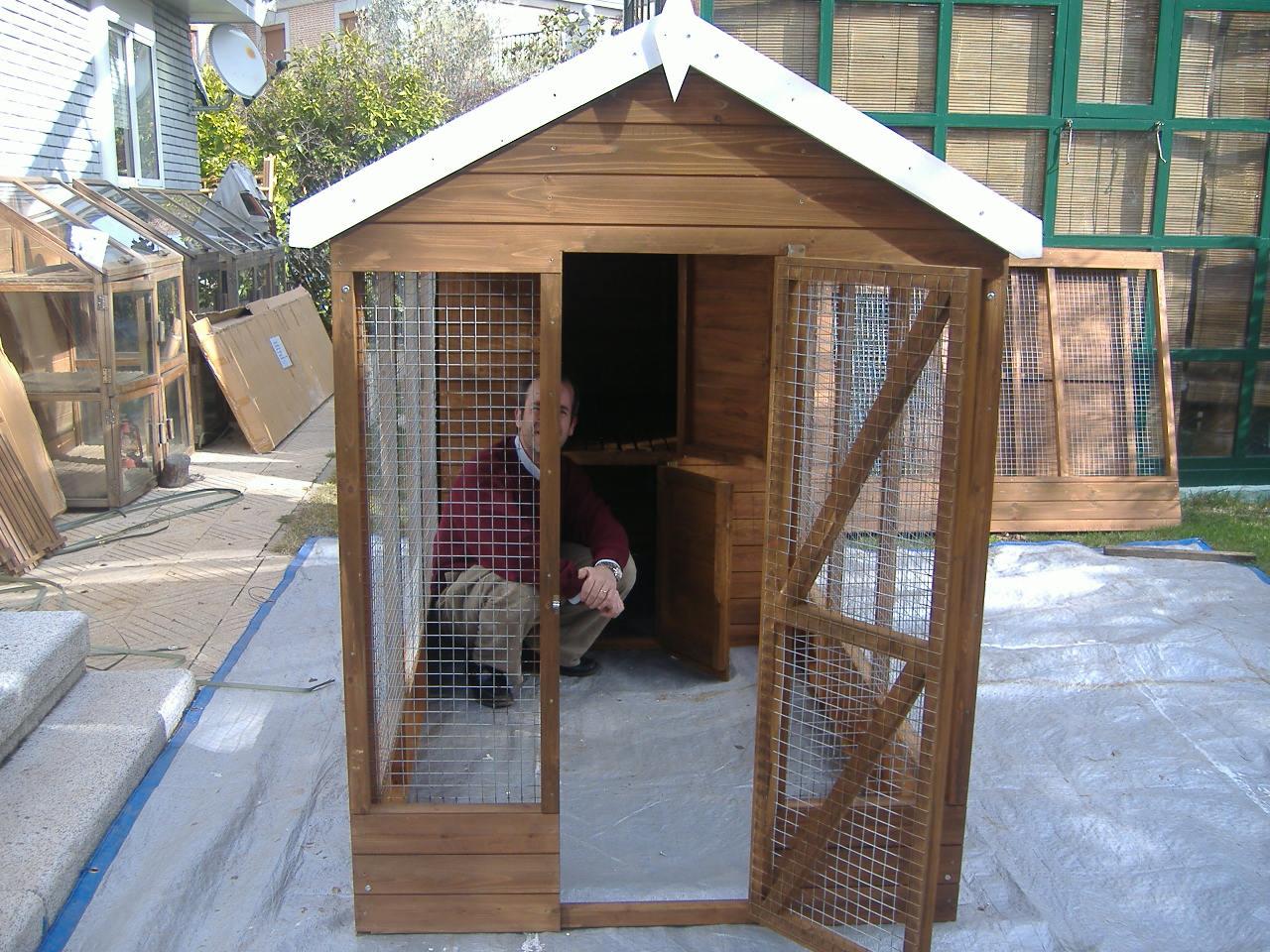 Casetas de perros caseta de perro tipo ingl s de hortal for Casetas para patios