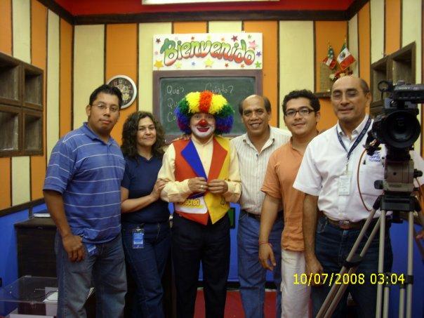 primer programa de tv para aprender señas mexicana ADRIAN MAY SECCION HABLANDO CON LAS MANOS