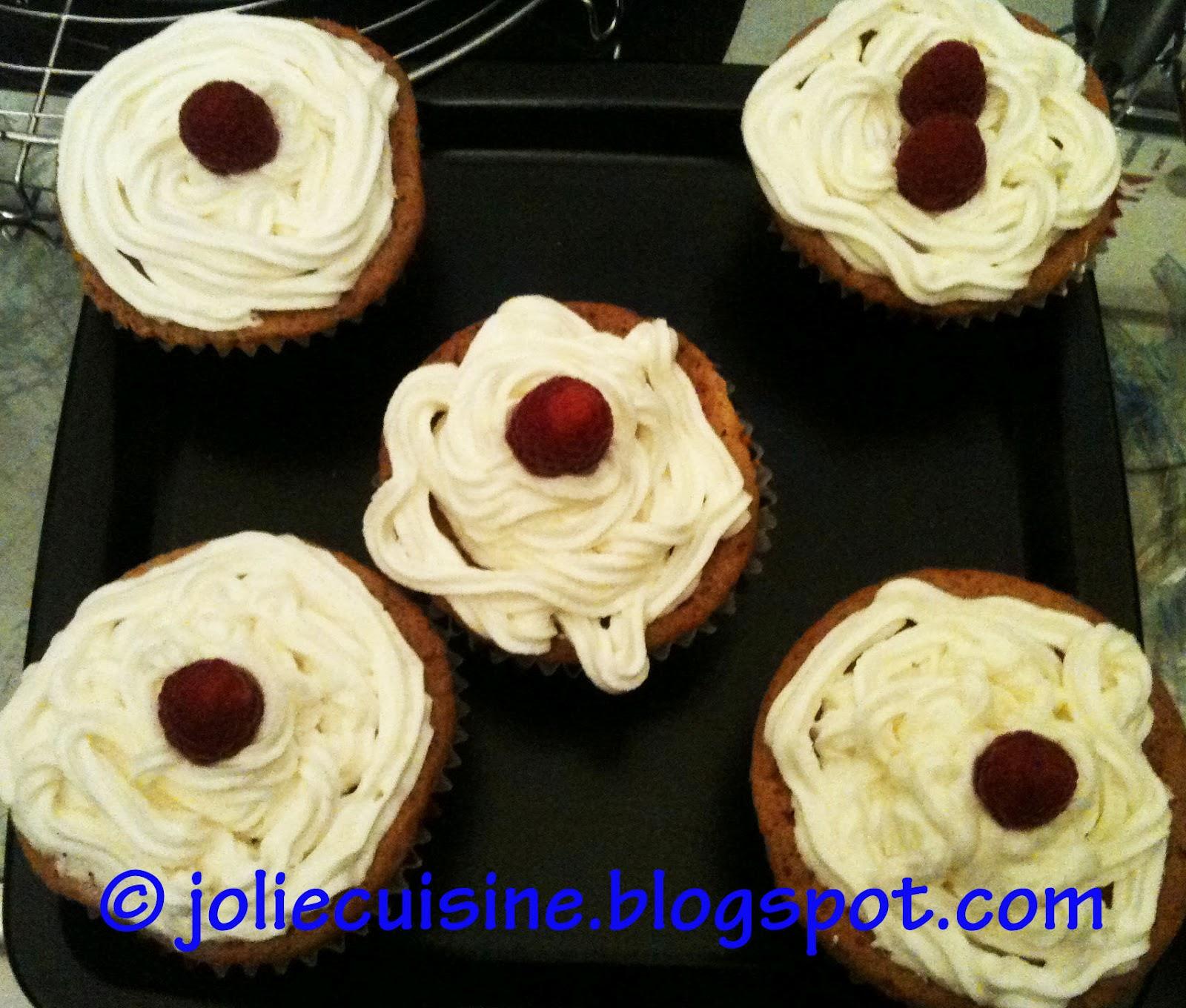 Jolie cuisine cupcake cioccolato bianco e lamponi - Jolie cupcake ...
