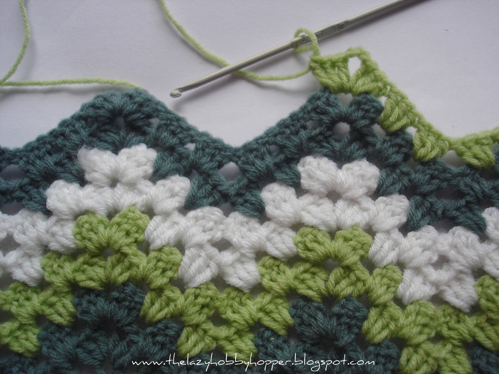Crochet Ripple Afghan Pattern Instructions : The Lazy Hobbyhopper: How to crochet granny ripple
