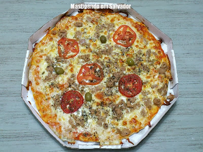 Hit Pizza: Pizza de Atum, pronta para ser mastigada