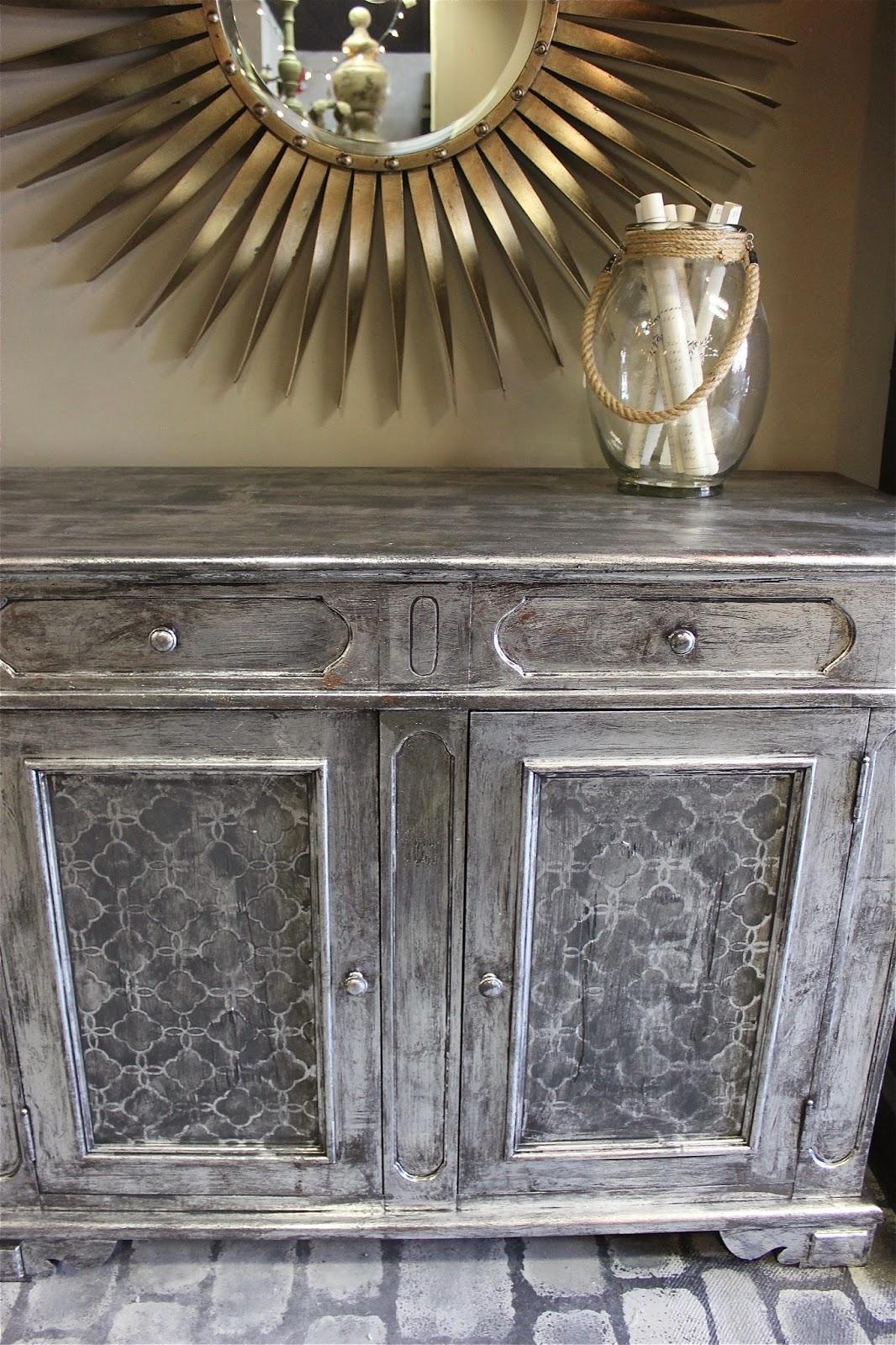 Maison decor use foil for an easy silver leaf finish for Decor maison