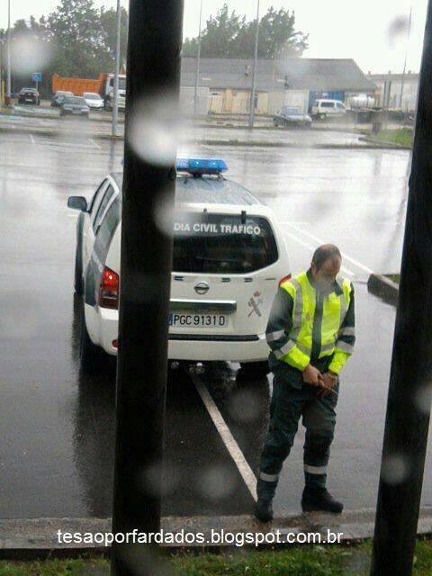 Policial Mijando