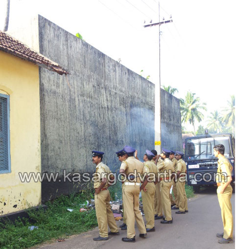 Jail Escaped, Jail, Accuse, Murder-Case, Police, House, Kasaragod, Kerala.