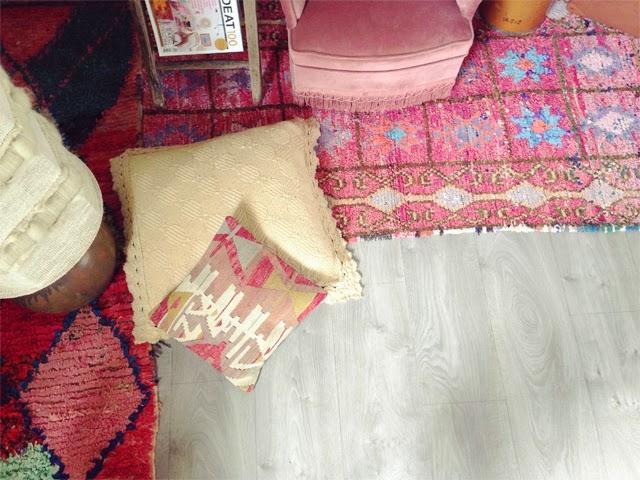 Coussin Kilim et tapis boucherouite  ©lovmint