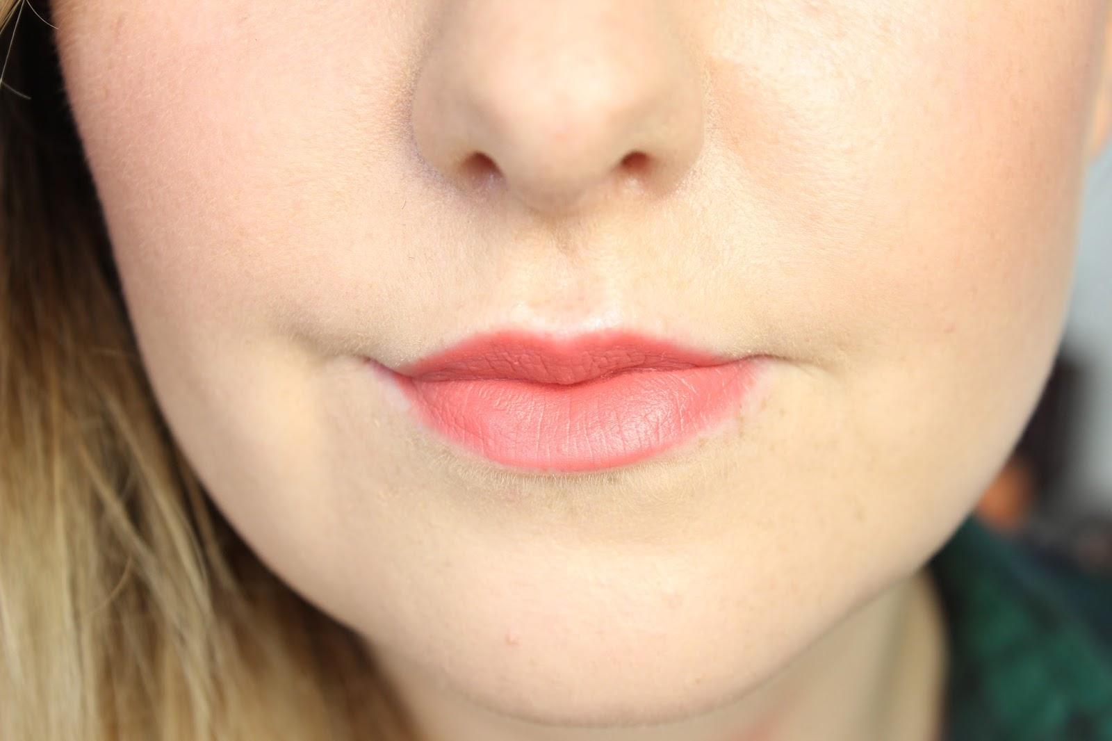 charlotte-tilbury-matte-revolution-lipstick-swatch