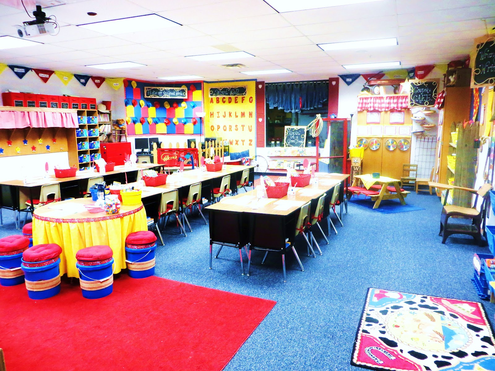 Classroom Theme Ideas Grade ~ First grade wow new year room team etc