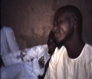 Nijer'e giden Tiryaki Fm radyo yöneticisi Muhammet Barış Sütçü Nijer'lilerin yanına gittiğinde onu  Hristiyan bir turist sandılar. Ama müslüman olduğunu öğrendiklerindeki gözyaşları ve sevinçleri görülmeye değer.Onların  yüzlerindeki sevinci görünce gerçekten insan gözyaşlarına hakim olamıyor....