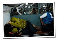 durmiendo en el tren indi