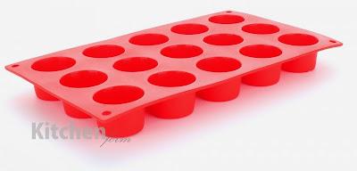 http://www.strefaulubiona.pl/mini-mufinki-czerwona-forma-na-15-gniazd-kitchenform-p-1294.html