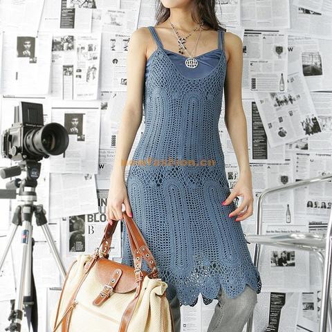 http://4.bp.blogspot.com/-Hgg_968ZdtY/TkO0jN7G_BI/AAAAAAAAA8M/uQ0Gzewerh8/s1600/vestido+azul.jpg