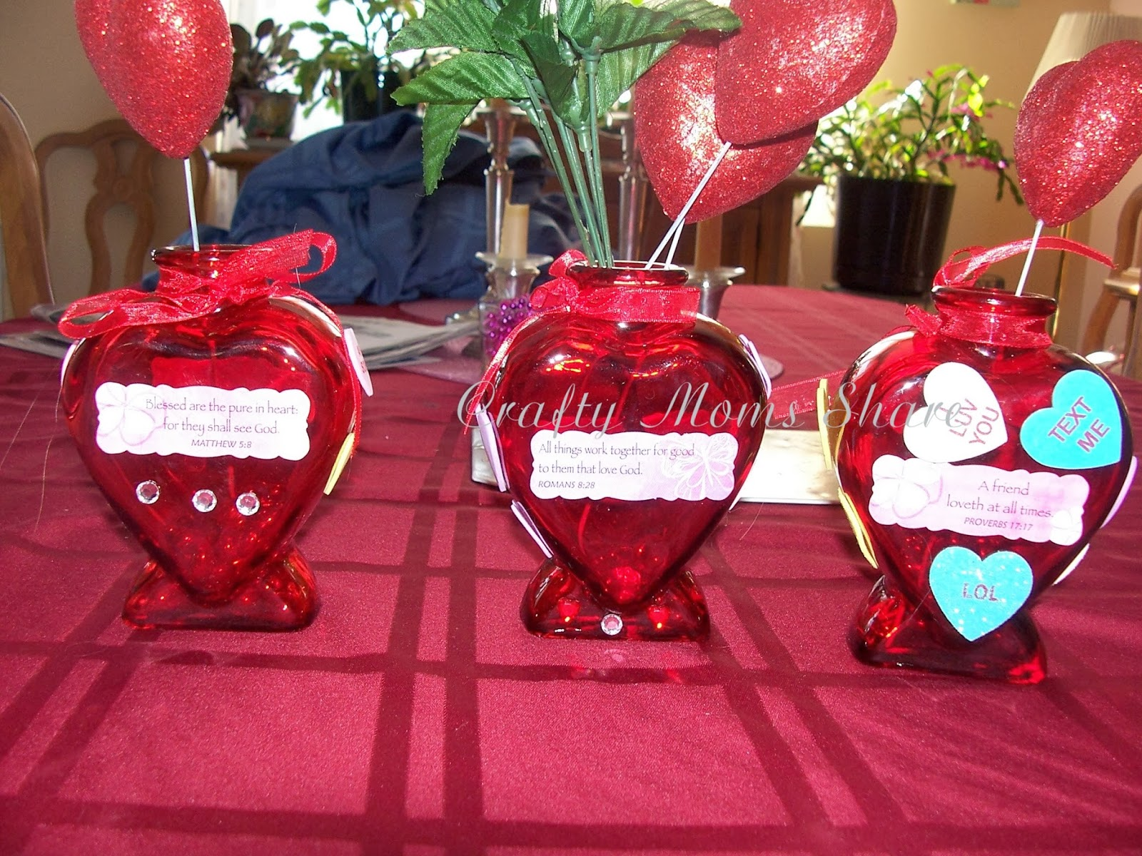 Crafty moms share valentines day crafts last year we bought these glass vases at the dollar tree our plan was to decorate them and give one to each grandmother and keep one it didnt happen reviewsmspy