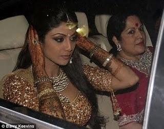 shilpa shetty wedding ring |aweddingpicture.blogspot.com